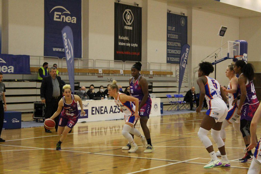 Julie McBride KS Basket 25